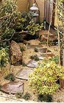 水琴窟の水音を楽しむ前庭